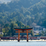 厳島神社の歴史!鳥居が海上にある理由やしゃもじが多い由来は?