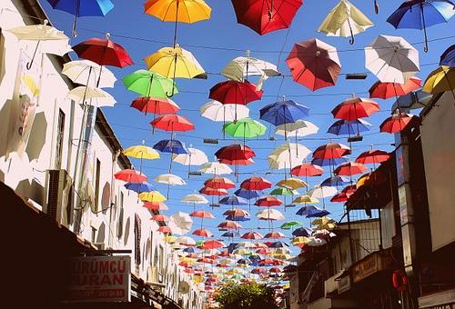 由来 ポルトガル 傘祭り