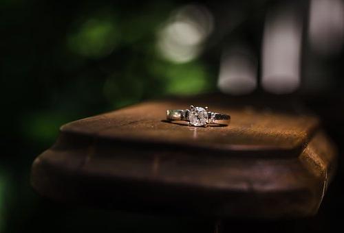 由来 結婚指輪 婚約指輪